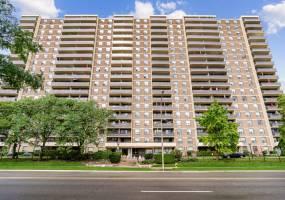 Etobicoke West Mall, M9C 1G5, 2 Bedrooms Bedrooms, 7 Rooms Rooms,2 BathroomsBathrooms,Condo Apt,Sale,40142773